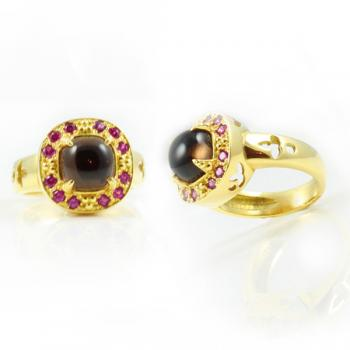 Captivating and fashionable Cabochon Smoky Quartz and Pink Sapphire ring set in 18K Gold