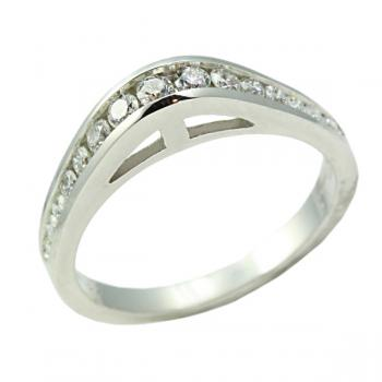 Distinctive Diamond and White Gold woman's wedding band