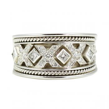 Striking Diamond and White Gold fashion ring