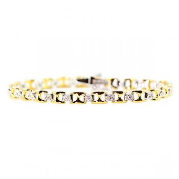 Gorgeous two tone Diamond bracelet set in 18K Gold