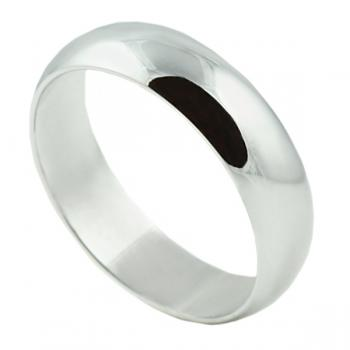 Classically simple White Gold man's wedding band