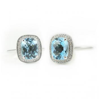 Charming and delicate Blue Topaz and Diamond ring set in White Gold