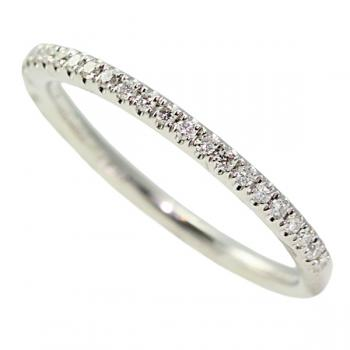 Lovely Platinum and Diamond ladies' wedding band
