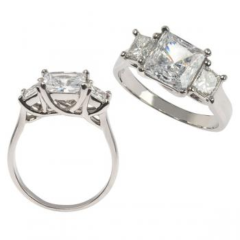 Beautiful 4-prong Diamond engagement ring set in Platinum with 4-prong sides