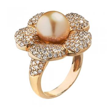 Diamond and South Sea Pearl flower ring set in 18K Gold