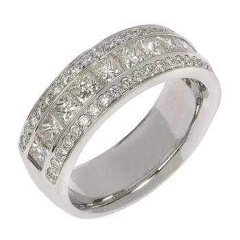 ELEGANT 18K WHITE GOLD AND DIAMOND BAND