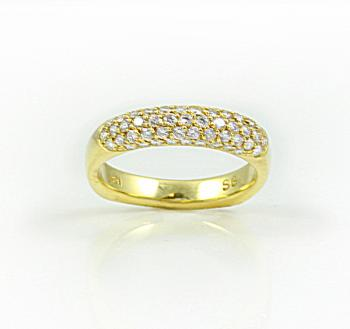 Lovely 5-row 'Pave' ring set in Gold
