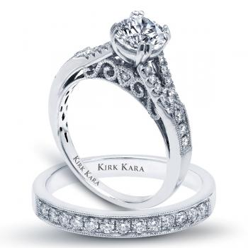 HANDCRAFTED ENGAGEMENT RING SET WITH FILIGREE ACCENTS
