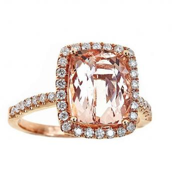 MORGANITE AND DIAMOND RING IN YELLOW GOLD